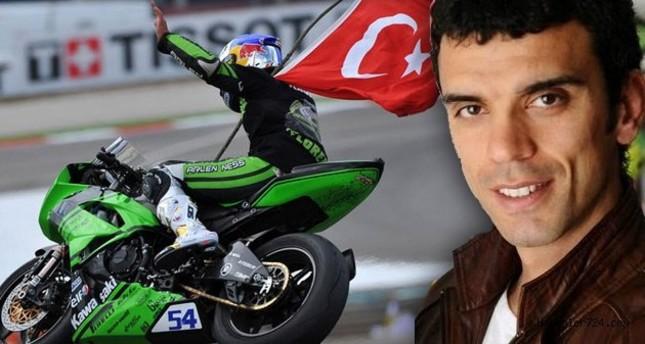 لاعب تركي يتصدر منافسات بطولة سوبر سبورت للدراجات النارية