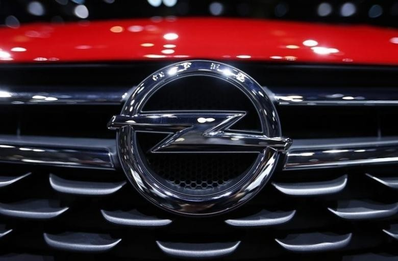 An Opel logo is pictured on the front of the Astra car during the second media day of the 86th International Motor Show in Geneva, Switzerland, March 2, 2016. (REUTERS Photo)