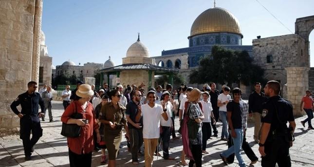 قاضي قضاة فلسطين: الاستمرار في اقتحام المسجد الأقصى يدق طبول الحرب الدينية