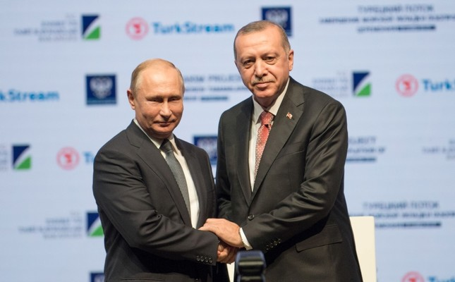 President Recep Tayyip Erdoğan and his Russian counterpart Vladimir Putin attend a ceremony to mark the completion of the sea part of the TurkStream gas pipeline, in Istanbul, Turkey November 19, 2018. (AFP Photo)