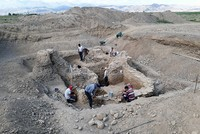 A tomb believed to be of a Karakhanid han was unearthed in a joint excavation by the Turkish Cooperation and Coordination Agency (TIKA) and the Kyrgyzstan-Turkey Manas University (KTMÜ) in the...