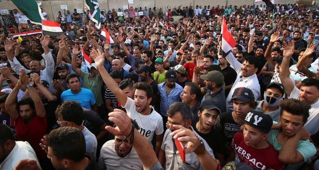 بعد 3 أسابيع من الاحتجاجات.. العبادي يقيل وزير الكهرباء