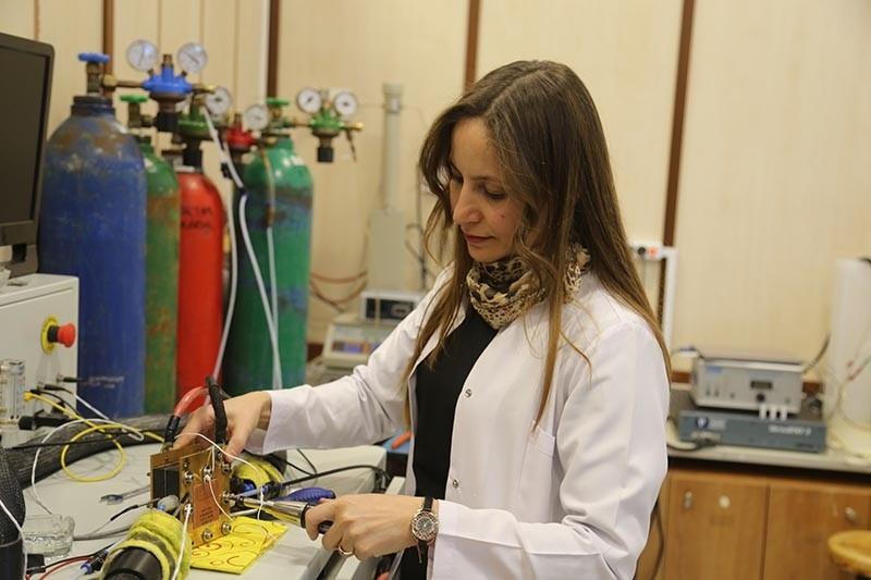 Turkish chemical engineer Ayu015fe Bayraku00e7eken Yurtcan (AA Photo)