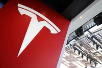 Automaker Tesla not going private, CEO Musk says