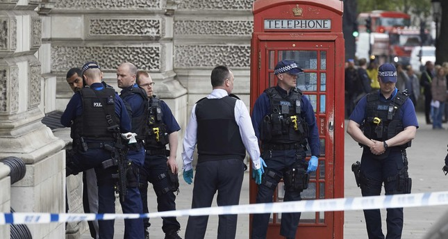 Man with knives arrested near British Parliament