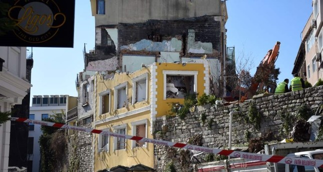 Demolition begins for hotel on Istanbul's city walls