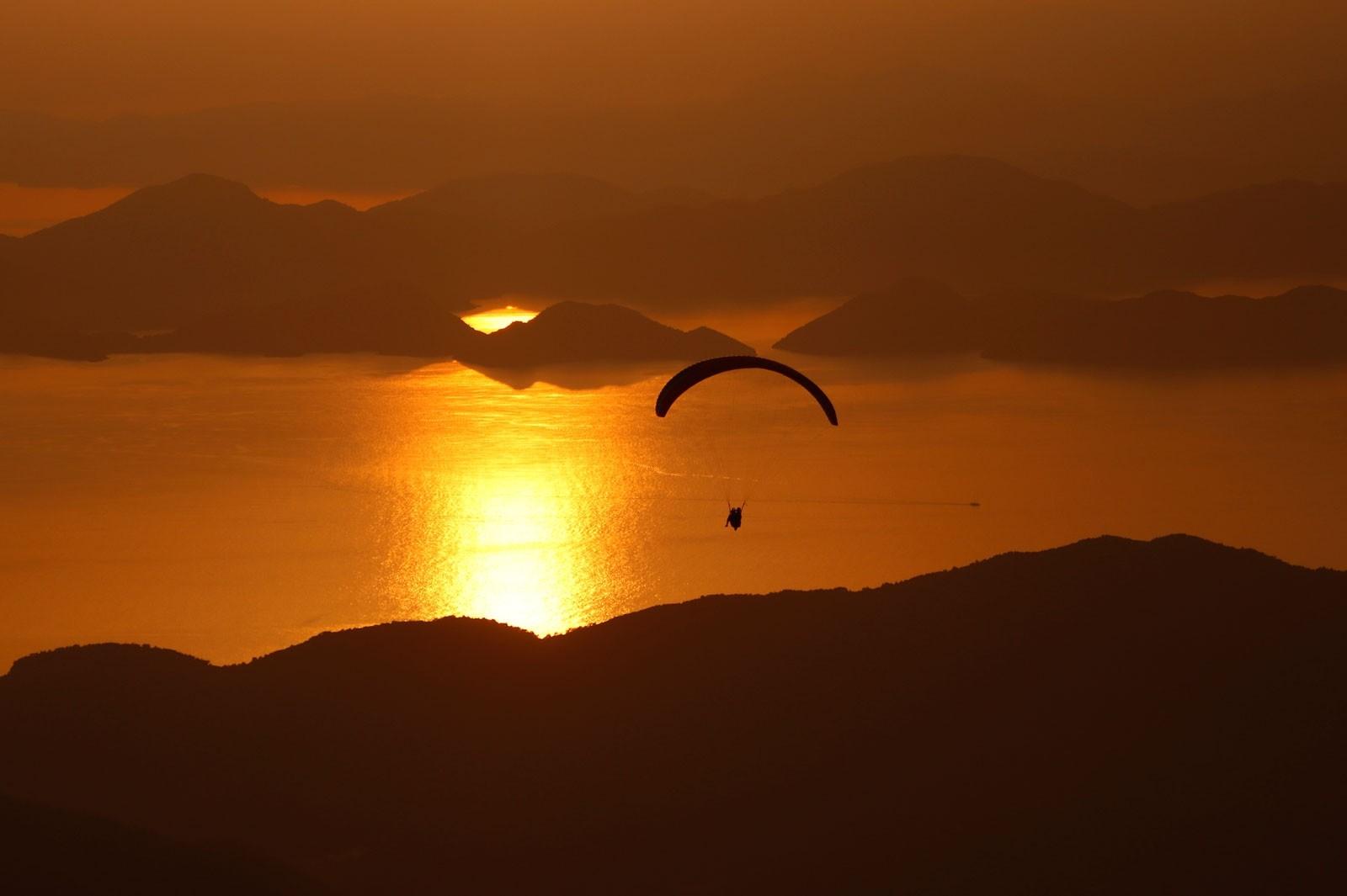 Параглайдинг в юго-западной турецкой провинции Мугла