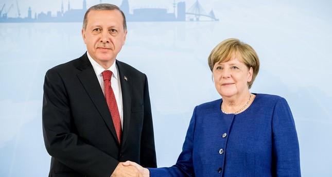 ميركل تدعو أردوغان لزيارة ألمانيا