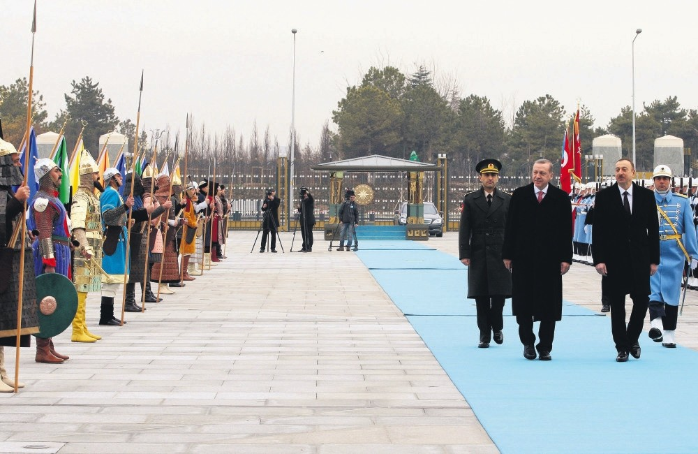 President Erdou011fan welcomes Azerbaijani President Aliyev in an official ceremony at the Presidential Palace in Ankara with Turkic soldiers, dressed as the soldiers of the 16 Great Turkic Empires in history, Jan. 15, 2015.