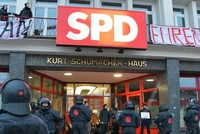 PKK/YPG supporters storm SPD building in northern Germany's Hamburg