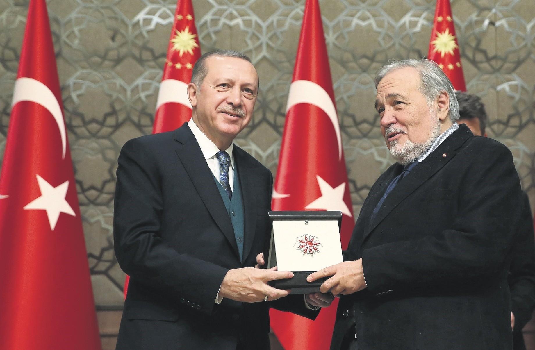 Professor u0130lber Ortaylu0131 (R) with President Recep Tayyip Erdou011fan