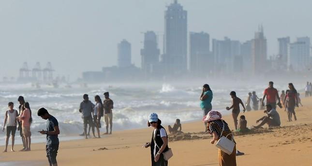 Tourist boom threatens Sri Lanka's golden beaches