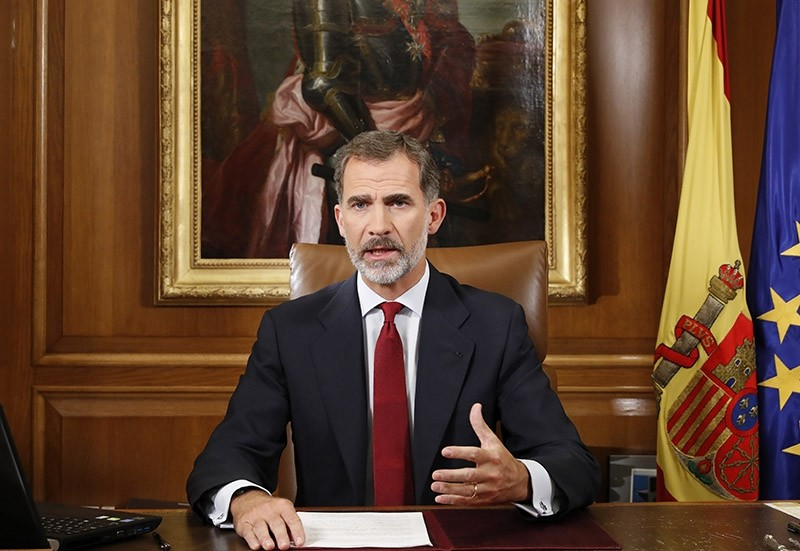 A handout photo made available by the Spanish Royal House shows Spanish King Felipe VI giving a speech two days after the Catalan independence referendum, Madrid, Spain, Oct. 3, 2017. (EPA Photo)