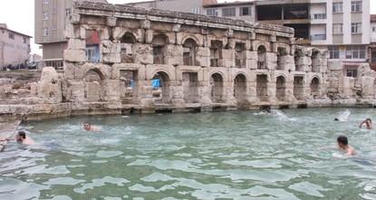 بعد أن كان مدفوناً تحت التراب لمئات السنين، أصبح حمام
