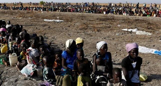 بعد الانفصال.. أوراق الشجر والبذور غذاء للجياع في جنوب السودان