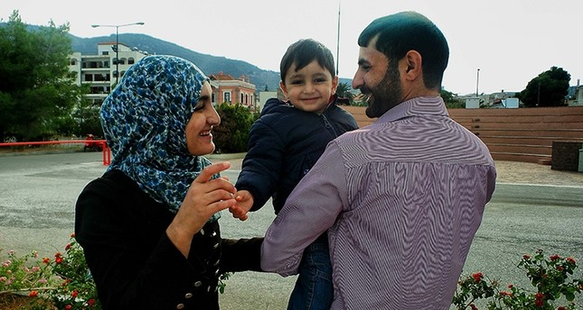 A reunited Syrian family (AFP Photo)