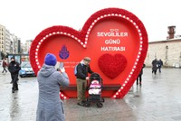 The Istanbul Metropolitan Municipality has erected a large heart-shaped platform in Taksim Square to celebrate Valentine's Day.