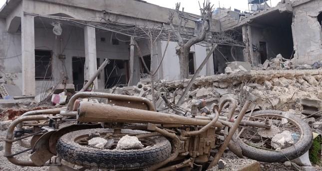 مقتل 12 مدنيابينهم 7 أطفالفي قصف روسي شمالي سوريا