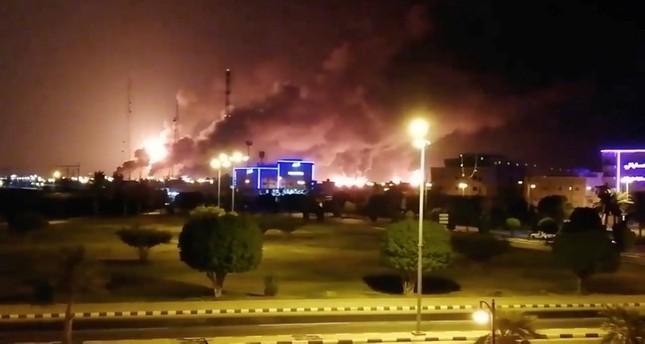 هجوم بطائرات مسيرة على منشأتين لأرامكو يؤدي لاشتعال حرائق