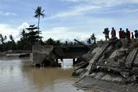 Der Tropensturm «Tembin» hat auf seinem Weg durch die Philippinen mindestens 200 Menschen getötet und eine Schneise der Verwüstung durch den Süden gezogen.  Rettungstrupps suchten am...