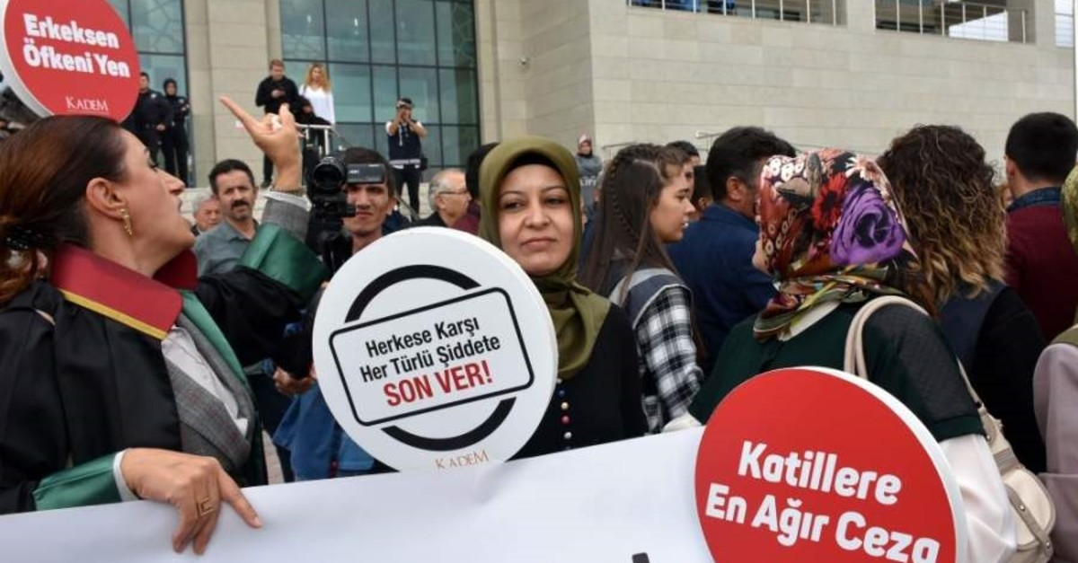 A group of activists and lawyers from KADEM Assocation stage a protest outside the courthouse, Ku0131ru0131kkale, Oct. 21, 2019. (AA Photo)