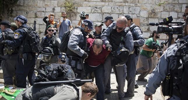 Jew Detector: Israel Weighs Removal Of Metal Detectors As Tension In