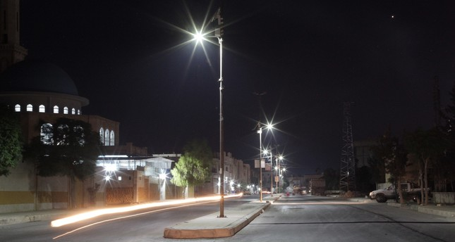 Daesh-free northern Syrian districts lit by solar lights