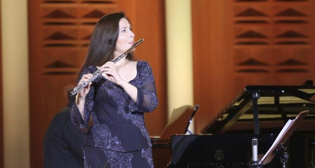 Şefika Kutluer performs at a concert, Jan. 17, 2009. (Photo by Ali Ekeyılmaz)