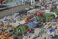 قال مسؤول في وزارة الاقتصاد التركية، الجمعة، إن بلاده تسعى إلى رفع حجم التبادل التجاري مع كازاخستان إلى 4.5 مليارات دولار أمريكي، خلال العامين المقبلين.  جاء ذلك في تصريحات أدلى بها، طارق سونماز،...