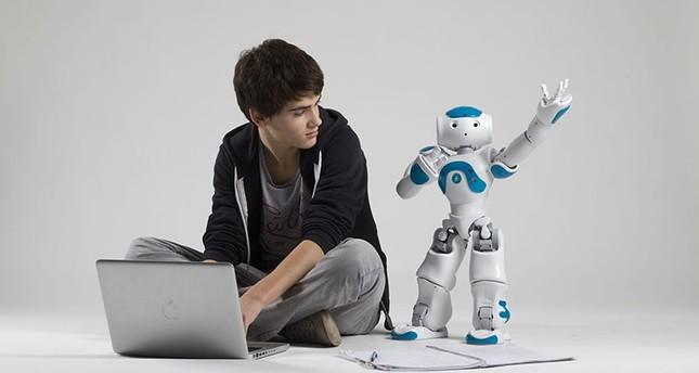 طلاب أتراك يشاركون في مسابقات فيرست الدولية للروبوتات