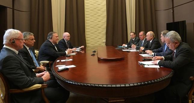 لقاء بوتين بومبيو (الأناضول)