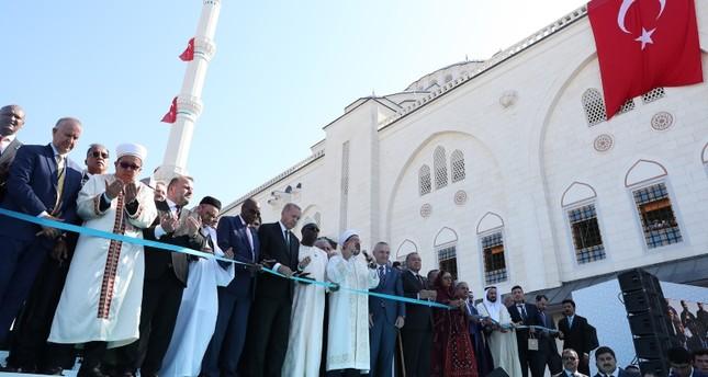أردوغان: من يستهدفون الكنائس والمساجد يحملون نفس العقلية الظلامية