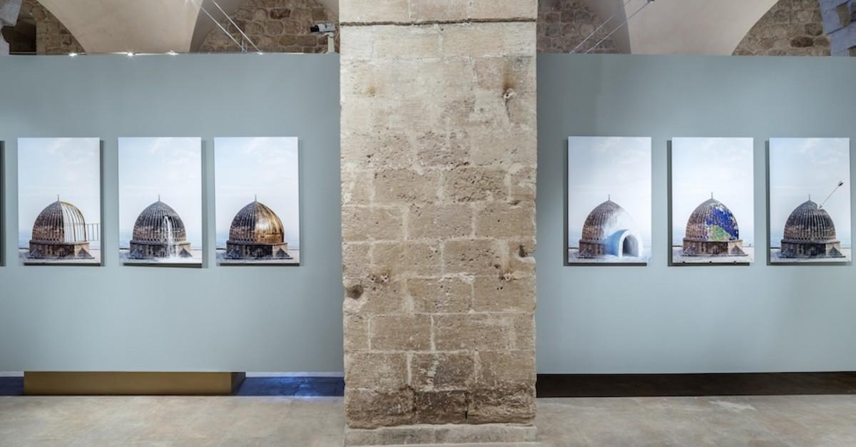 Ceylan Amaku2019s work u201cObje Kaynau015ftu0131rmasu0131u201d (u201cMerging Objectsu201d), featuring her graphic alterations on the dome of Mardin Grand Mosque.