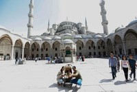 Istanbul welcomes more than 12M foreign tourists in 10 months, rising 11.91%