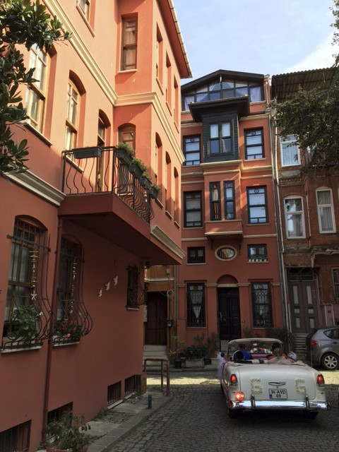 Kuzguncuk is truly a theatrical neigborhood, a veritable stage with its storefront characters, pampered strays, conspicuous intellectuals and photo-happy sightseers.