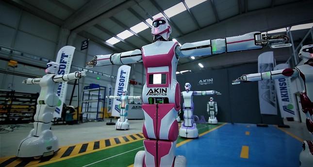 مهندسون أتراك يصنعون روبوتا يرقص على أنغام محلية