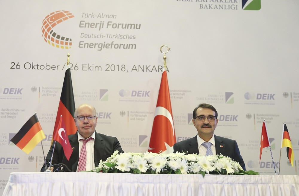 Energy and Natural Resources Minister Fatih Du00f6nmez (R) and German Economic Affairs and Energy Minister Peter Altmaier (L) attend the Turkish-German Energy Forum in Ankara, Oct. 26.