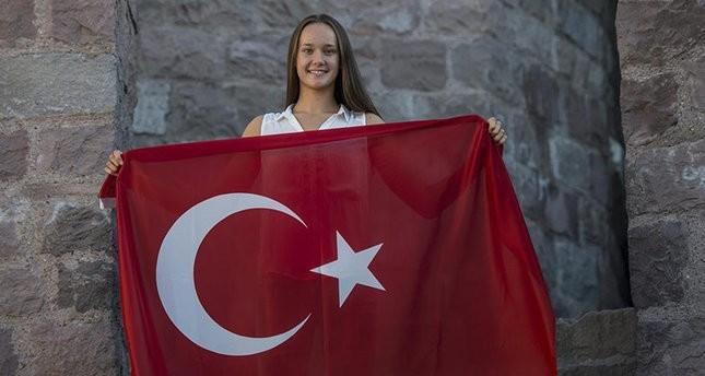 تركيا وأوكرانيا توقعان اتفاقية تتيح لمواطني البلدين تبادل الزيارات بالهويات فقط