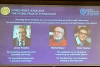 Nobelpreis für Kosmologen und Entdecker von Exo-Planet