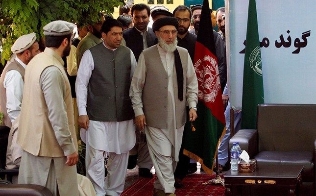Gulbuddin Hekmatyar arrives to speak to supporters in Laghman province, Afghanistan April 29, 2017. (Reuters Photo)