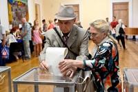 Zelensky's party wins record score in Ukraine vote