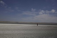 Photo project captures dire state of Turkey's Salt Lake