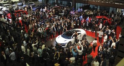 pDie diesjährige Istanbuler Autoshow auf dem Messegelände TÜYAP im Bezirk Büyükçekmece lässt Autoliebhabern jeder Art Herzen höher schlagen./p  pDie Messe startete am 21. April und wird für zehn...