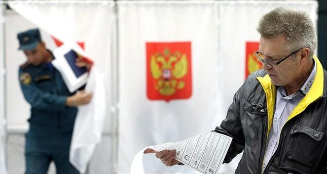الروس ينتخبون أعضاء برلمانهم في اقتراع يتوقع أن يفوز به الحزب الحاكم