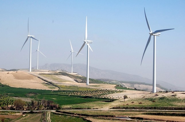 A wind power plant in the Samandağ district of Hatay, a southern province in Turkey. (AA Photo)