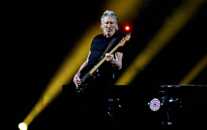 File photo shows Roger Waters performing on stage. (SABAH Photo)