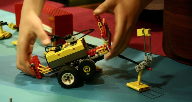 Robots with AI to compete at int'l tournament