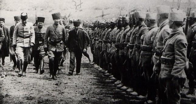 صور تنشر لأول مرة من أرشيف الأركان التركية لمؤسس الجمهورية أتاتورك