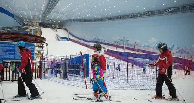Chinese skiers enjoy break from heat in world's largest indoor ski park