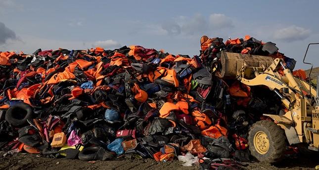 لاجئ سوري يشعل النار بنفسه في اليونان